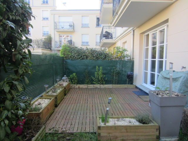Vente prestations de qualit centre ville jardin france for Le jardin 02190