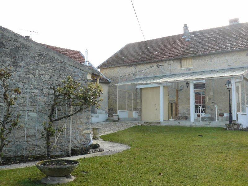 Vente belle maison de village for Restaurant le jardin 02190 neufchatel sur aisne