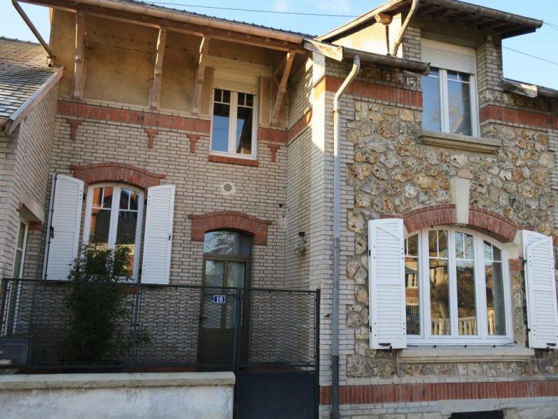 Vente charmante maison 3 chambres for Restaurant le jardin 02190 neufchatel sur aisne