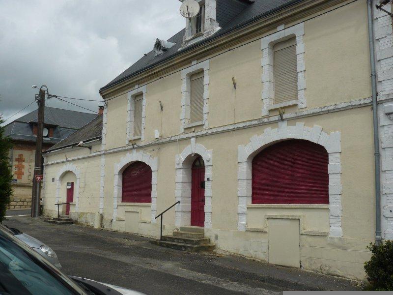 Vente grande maison en pierre r nover for Restaurant le jardin 02190 neufchatel sur aisne