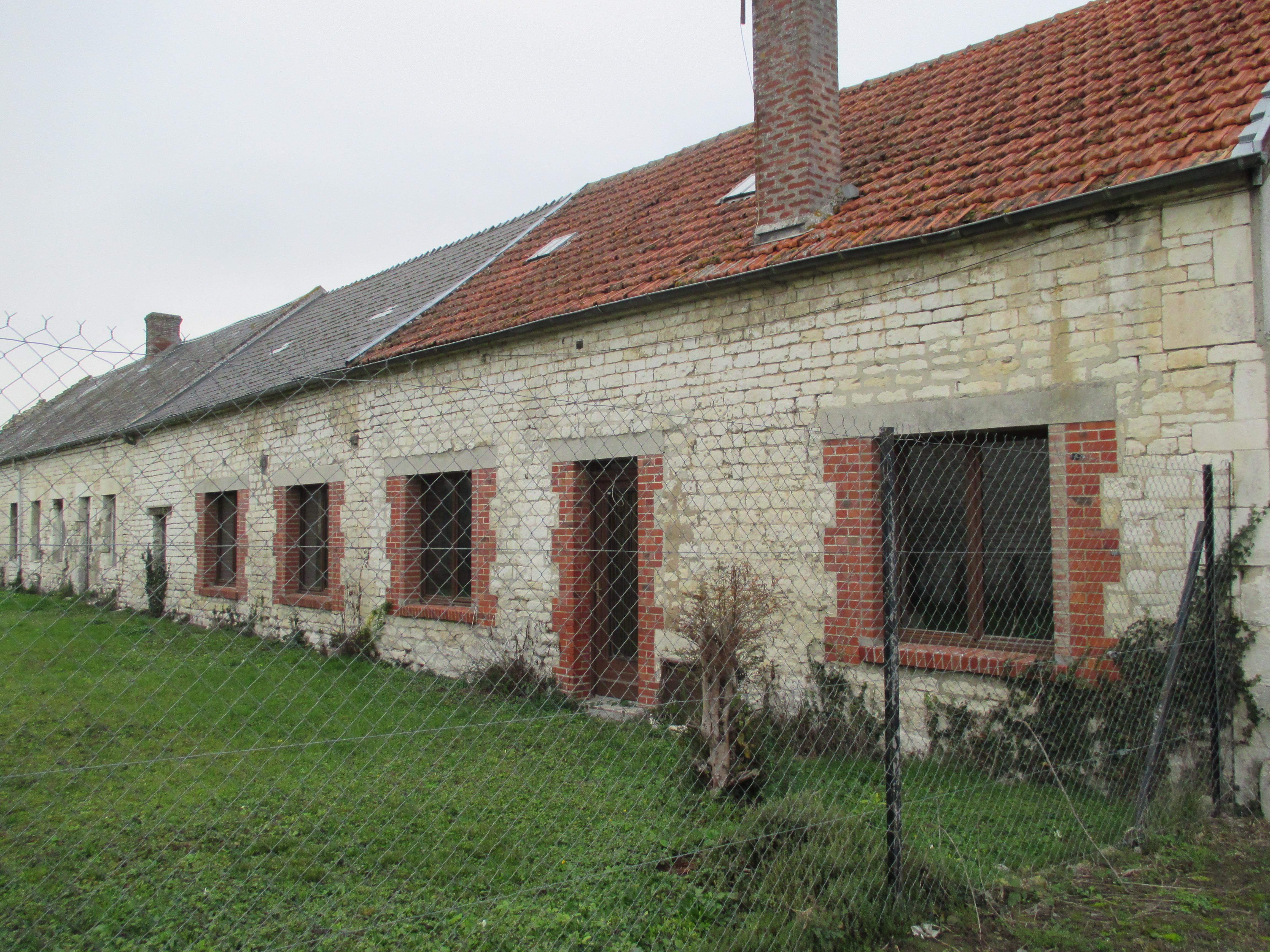 Vente maison r nover terrain 5300 m2 env for Maison guignicourt