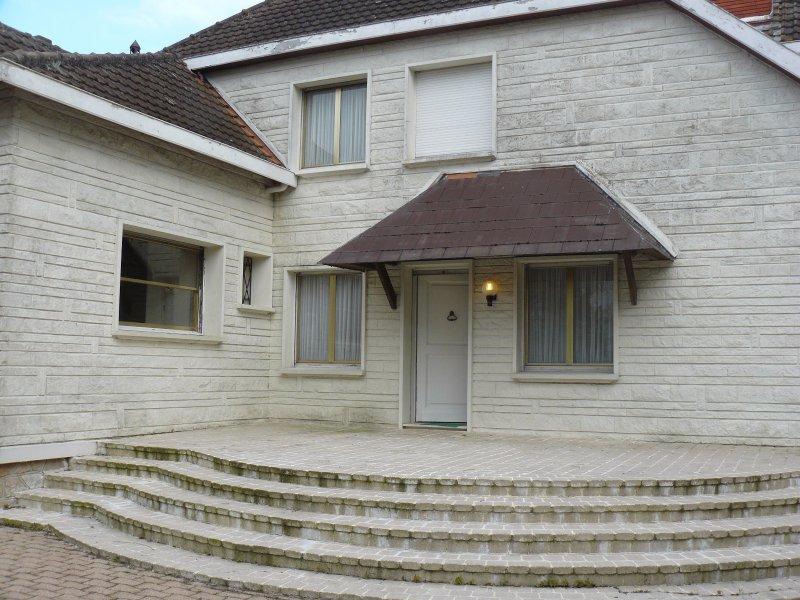 Vente belle demeure bourgeoise for Restaurant le jardin 02190 neufchatel sur aisne